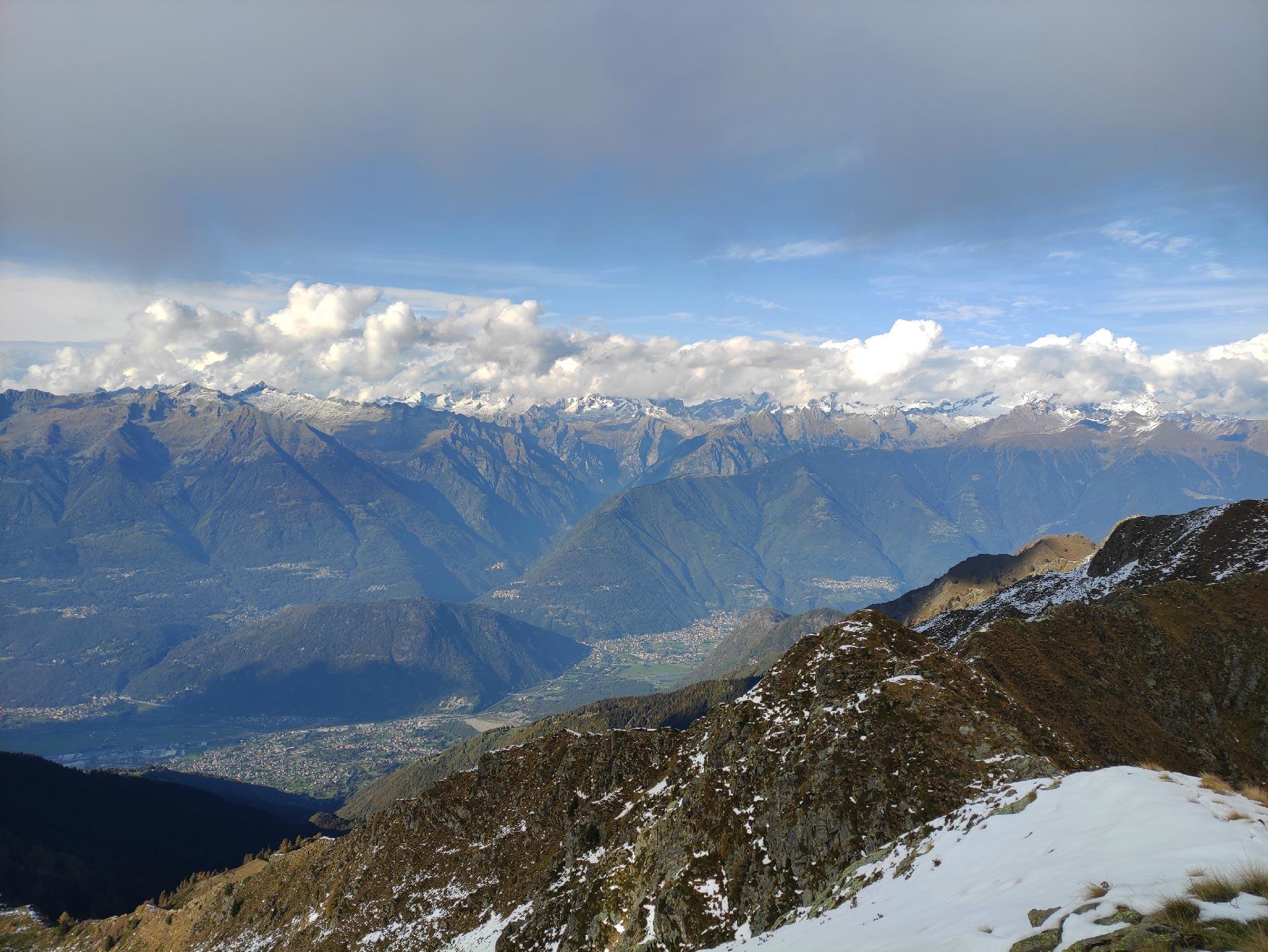 Panoramica sulla Val Masino (montagne), Valle del Bitto, Lombardia