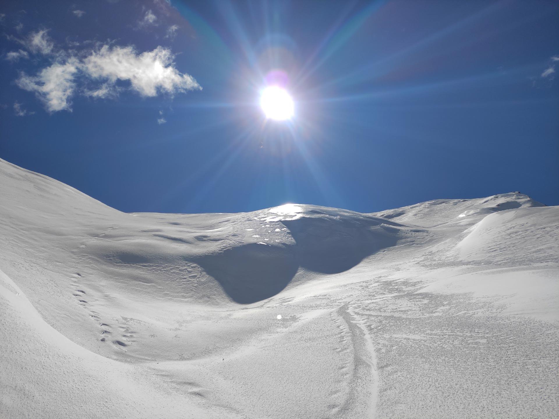 Trekking invernali in Valsassina: uno scorcio dopo il rifugio Bogani