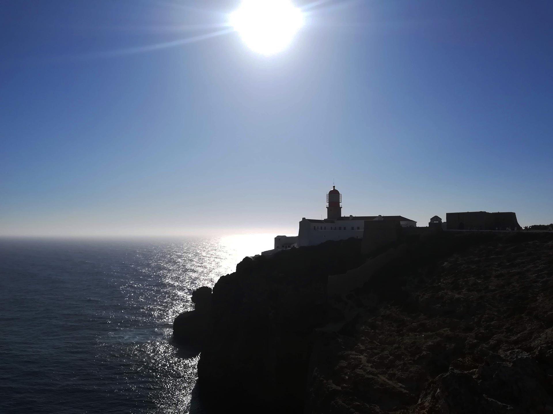veduta del promontorio di Cabo de Sao Vicente con il suo faro. Algarve, Portogallo