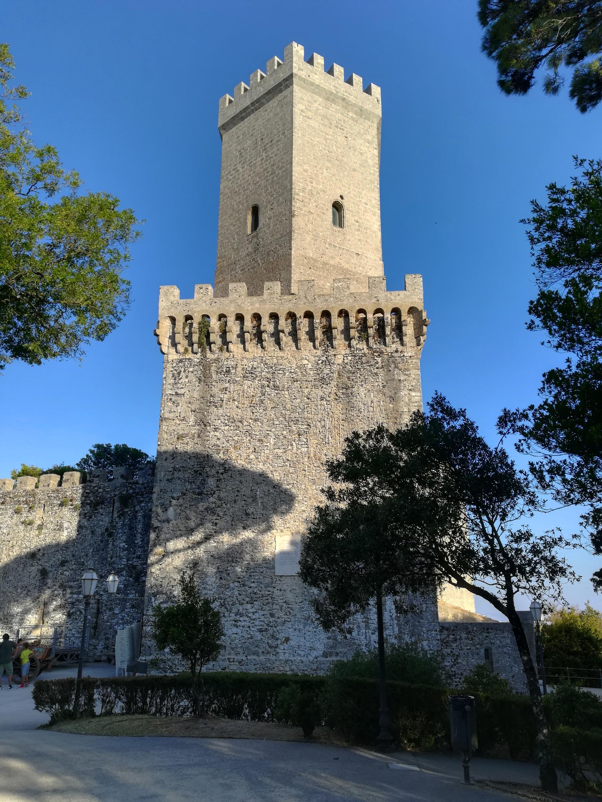 Veduta torretta Castello di Venere
