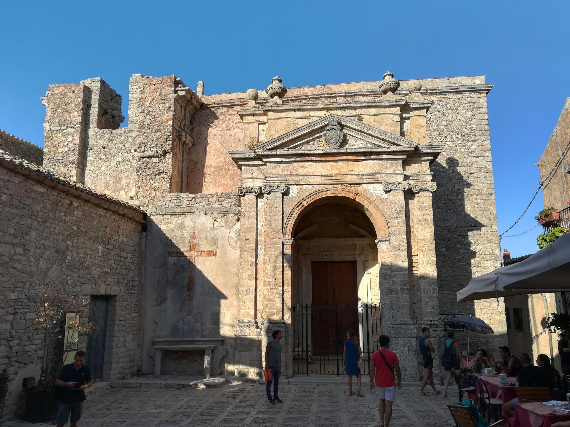 Veduta sulla Chiesa di San Michele e Piazza San Domenico