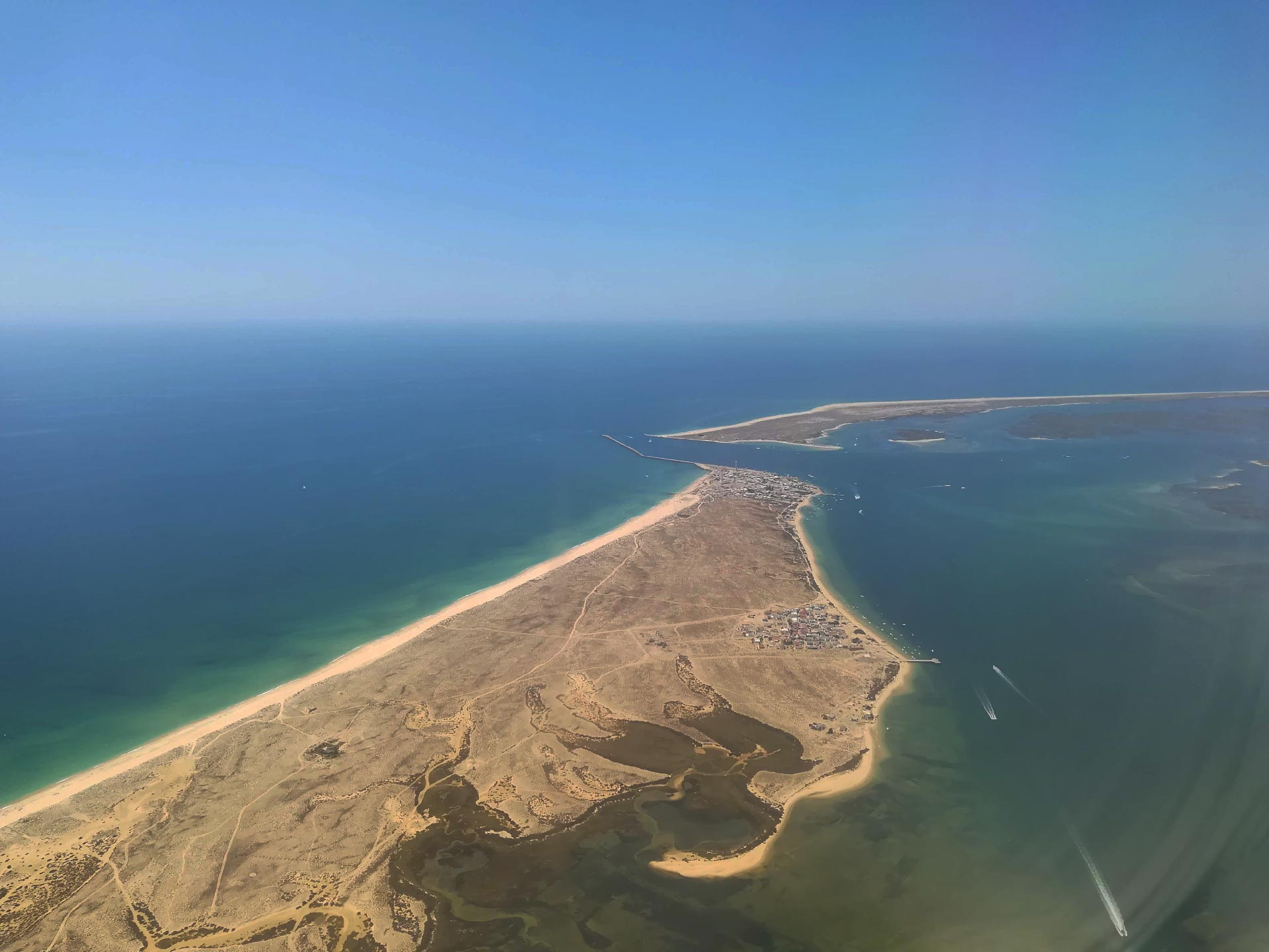 veduta aerea della laguna di Faro, Portogallo