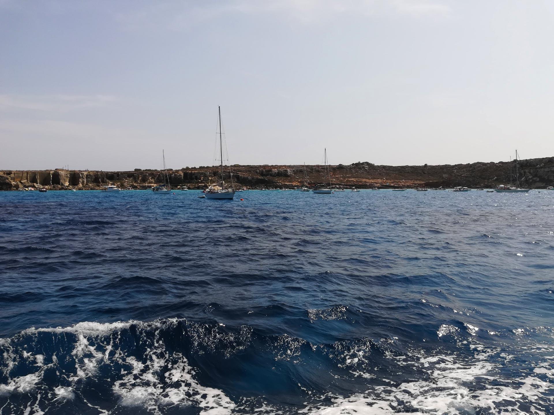 Scorcio di Favignana dal mare