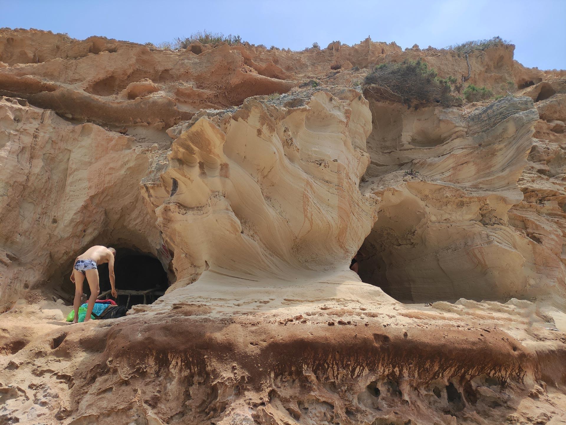 Le grotte di Cala en Baster