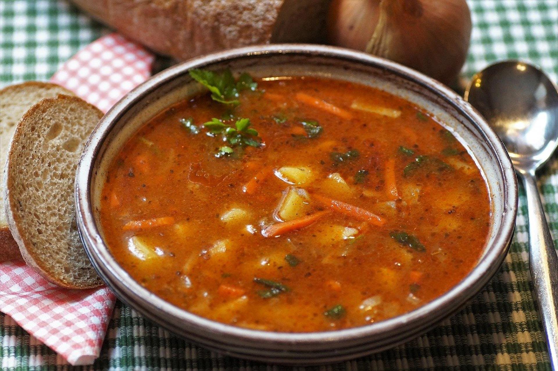 Il gulasch, piatto tipico di Budapest
