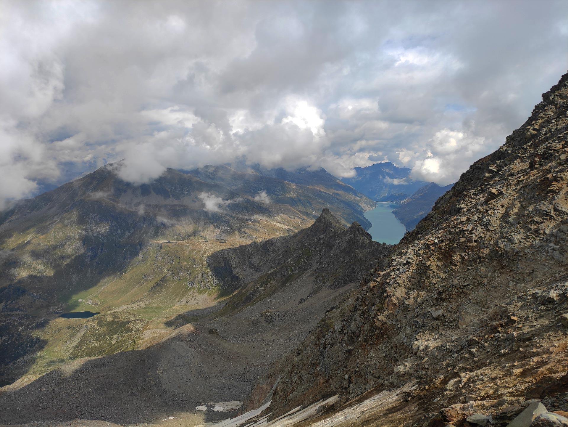 Veduta del lago di Lei salendo verso il PIzzo Stella (montagna), Madesimo, Lombardia
