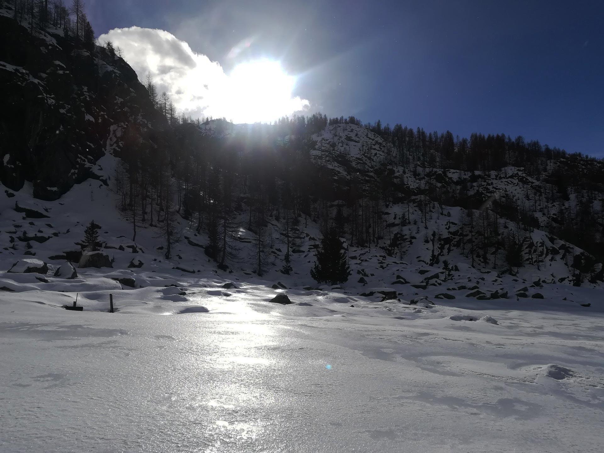 paesaggio innevato salendpo verso il Rifugio Cristina, Valmalenco, Lombardia