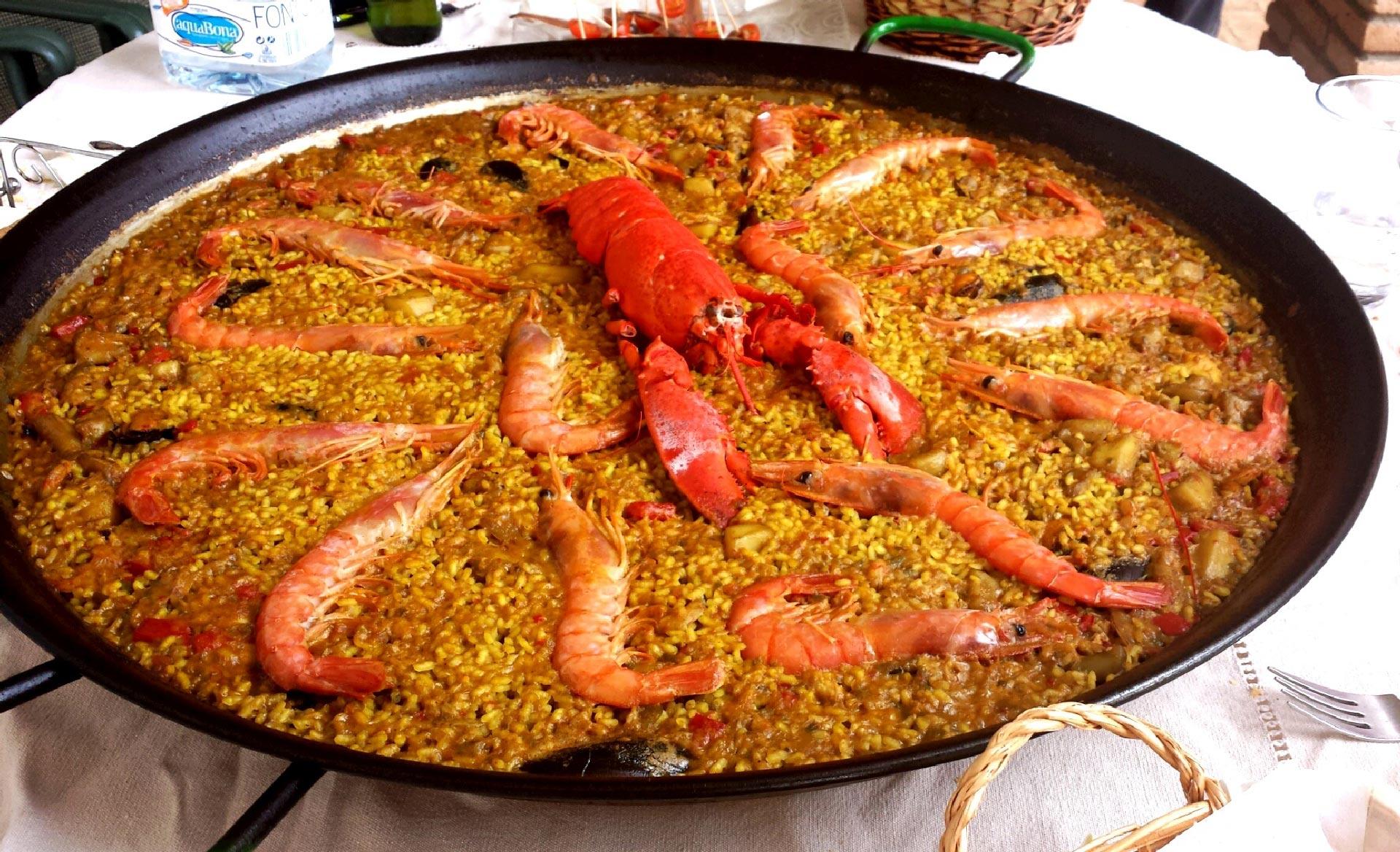 Paella tipica della tradizione Valenciana