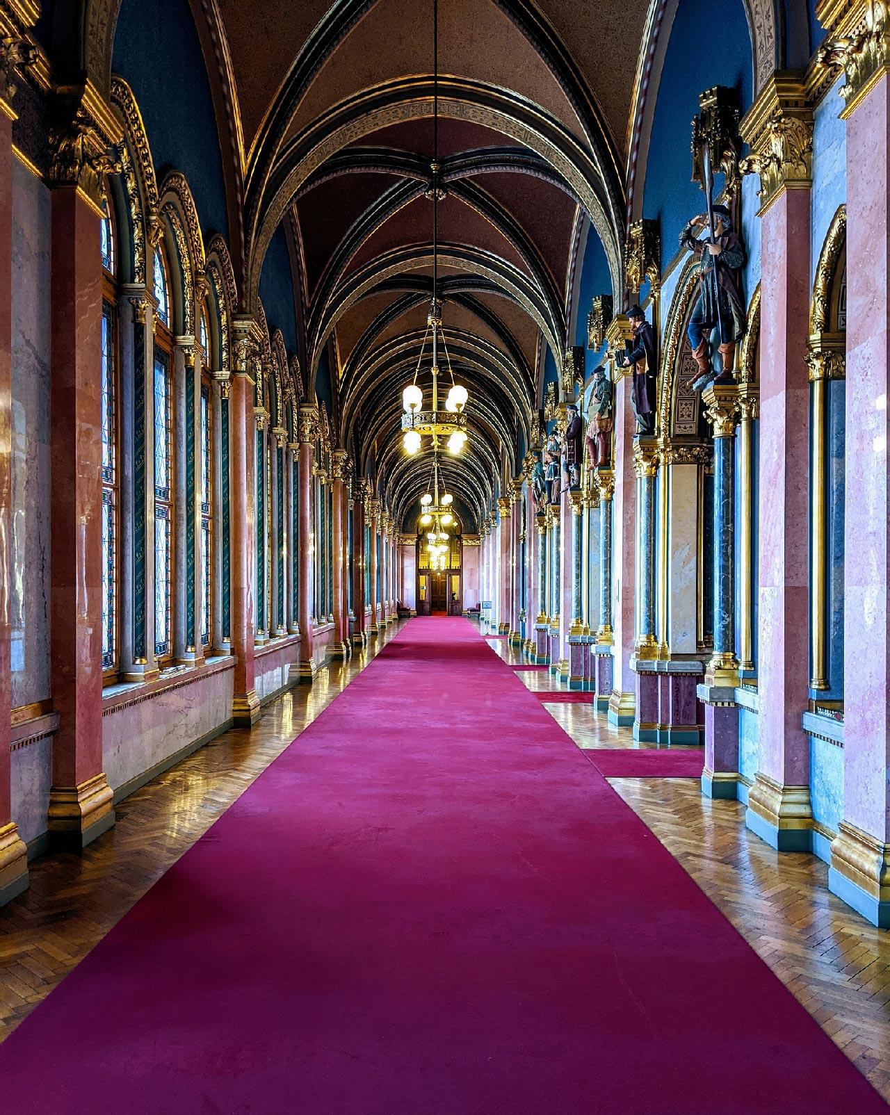 Gli interni del Parlamento