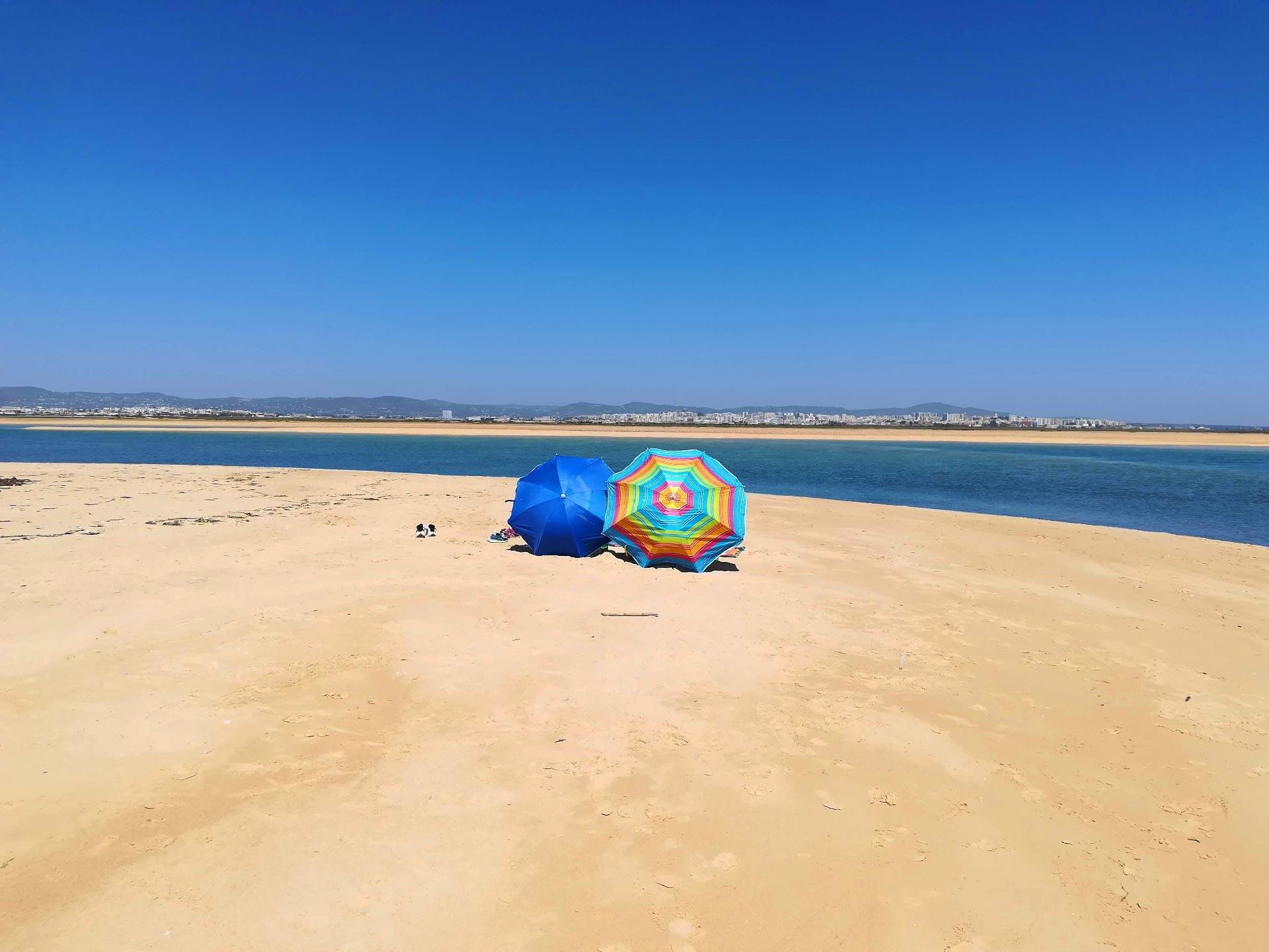Veduta di Praia da Barrinha, Faro, Algarve, Portogallo